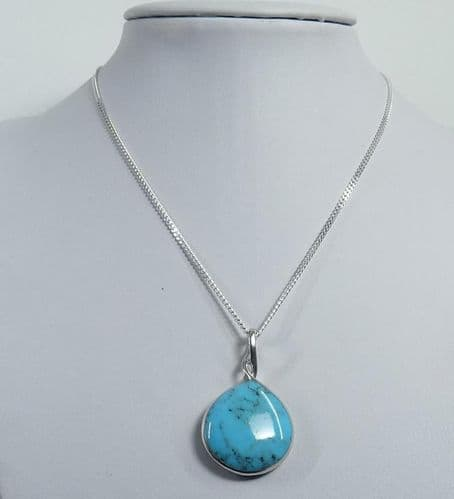 925 Sterling Silver Stone Set Pendant & Chain Set With A Reconstructed Turquoise